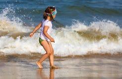 Enfant et mer Image libre de droits