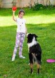 Enfant et un chien Images libres de droits