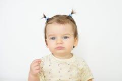 Enfant fatigué triste Petit bébé nouveau-né Photo libre de droits