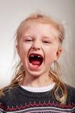 Enfant heureux sur l'espace de dent Image stock