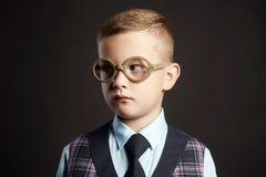 Enfant intelligent en verres gosse Images libres de droits