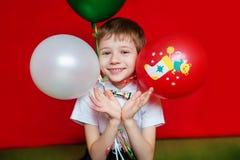 Enfant jouant à la maison Concept de vacances de Noël Image stock