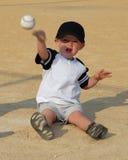 Enfant jouant le loquet photographie stock libre de droits