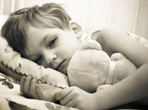 Enfant malade photographie stock