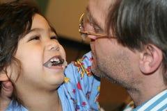 Enfant malade avec le père dans l'hôpital Photo libre de droits