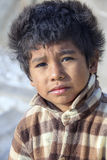 Enfant péruvien très pauvre mais heureux Image stock