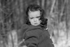 Enfant pleurant en nature Image stock