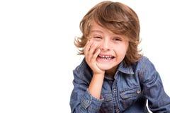 Enfant posant pour l'appareil-photo photo libre de droits