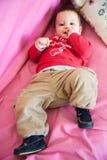 Enfant Relaxed sur le bâti Photographie stock libre de droits