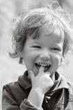 Enfant riant heureux images libres de droits