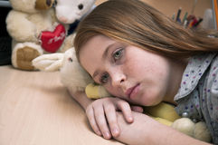 Enfant seul triste image libre de droits