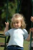 Enfant sur l'oscillation Image libre de droits