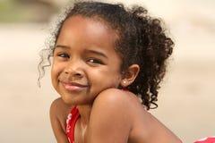 Enfant sur une plage Photo stock
