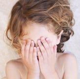 Enfant tantruming Photo libre de droits