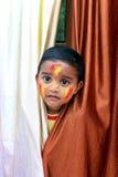 Enfant vilain Portrait d'un peu d'enfant au festival de Holi Photos libres de droits