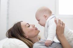 Enfantez un bébé garçon Photos libres de droits