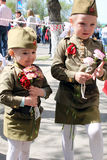 Enfants à la célébration de la fille de Victory Day Russian Photographie stock