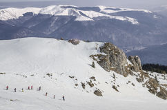 Enfants apprenant à skier Images libres de droits