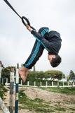 Enfants arabes jouant des sports sur la rue Photographie stock libre de droits