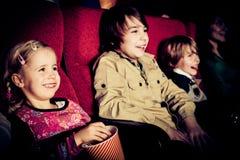 Enfants au cinéma Image stock