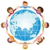 Enfants autour d'un globe illustration stock