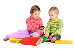 Enfants avec des livres Photographie stock