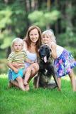 Enfants avec le chien Images libres de droits