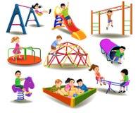 Enfants ayant l'amusement au terrain de jeu Images libres de droits