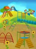 Enfants ayant l'amusement sur le terrain de jeu - scène heureuse d'été Photos stock