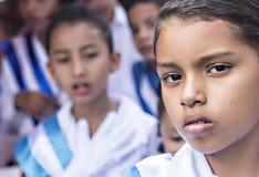 Enfants célébrant le Jour de la Déclaration d'Indépendance en Amérique Centrale photographie stock