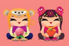 Enfants chanceux de zodiaque chinois : Singe et coq Photos stock