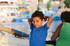 Enfants chez Nile River photo stock