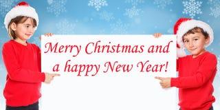 Enfants d'enfants de neige de carte de Santa Claus Merry Christmas dirigeant des toilettes image stock