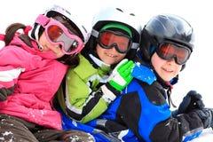 Enfants dans des trains de l'hiver Photographie stock libre de droits