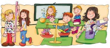 Enfants dans la classe à la classe de maths images stock