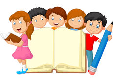 Enfants de bande dessinée avec le livre et le crayon Photographie stock