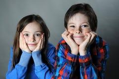 Enfants de mêmes parents Photos libres de droits