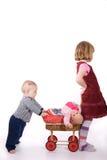 enfants de mêmes parents affectueux Images stock