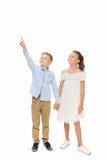 Enfants de mêmes parents retenant des mains Photographie stock libre de droits