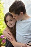 Enfants de mêmes parents affectueux Photos libres de droits