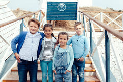 Enfants de mode sur le bord de mer Images stock