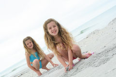 enfants de plage heureux Images stock