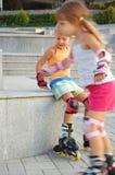 Enfants de Rollerblading. Image stock
