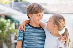 enfants de sourire extérieurs Photographie stock libre de droits