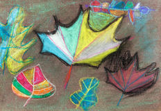 Enfants dessinant - feuilles d'automne sur le brun Image stock