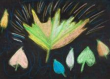 Enfants dessinant - feuilles d'automne sur le noir Photos stock