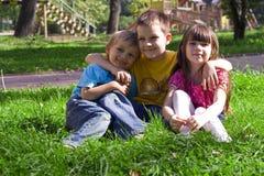 Enfants en stationnement Photographie stock libre de droits