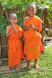 Enfants en tant que novices bouddhistes Laos Images libres de droits