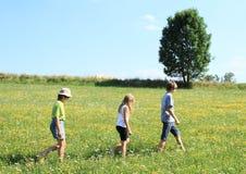 Enfants en voyage Photo libre de droits