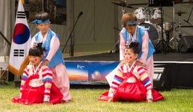 Enfants exécutant en festival d'Adelaide South Korea photos libres de droits